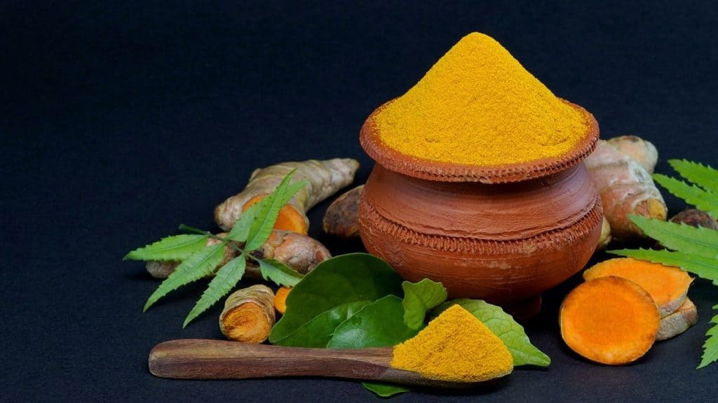 Turmeric, also called yellow ginger, is a type of plant from South Asia. Is it a miracle cure for the yeast infection